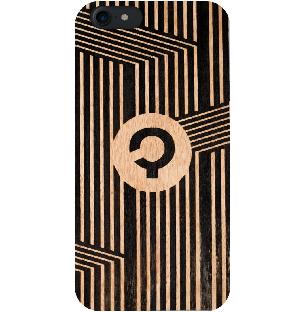 Wooden-case-iPhone7-Aniegre-Vertical