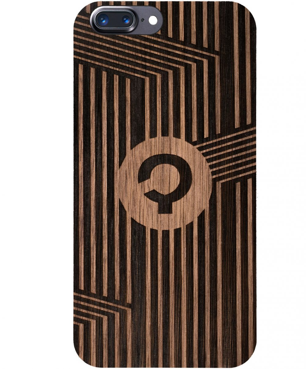 Wooden-case-iphone-7-plus-orzech-Vertical