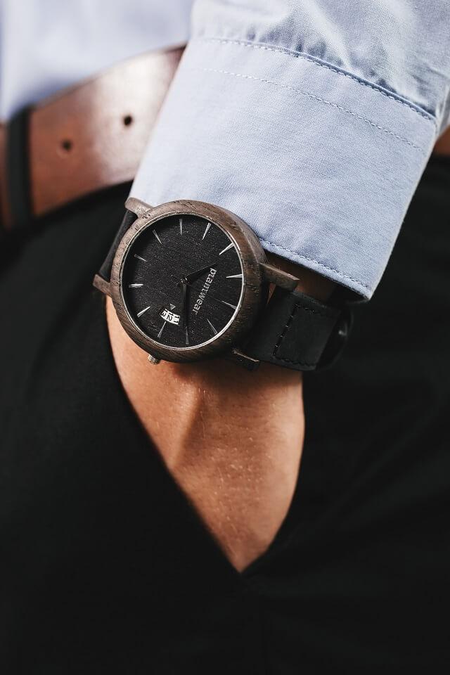 royal-czarny-dąb-drewniany-zegarek-plantwear