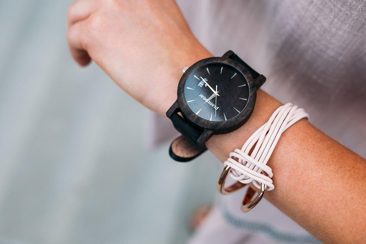 b64f0941649 5 Year warranty on all Black Oak watches!