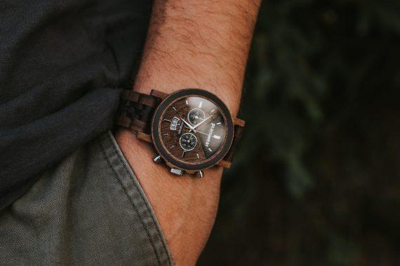 Zegarek-drewniany-Chronograph-Orzech-Wenge-aranzacje-2