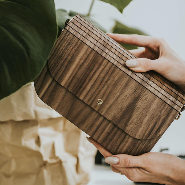 wooden handbag groove walnut